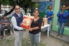 Freddy Campoverde entrega primer lugar para cría de gallina.