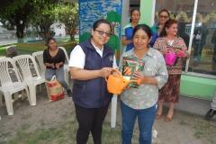 María Fernanda Mishquero entrega primer lugar para cultivo de hortalizas.
